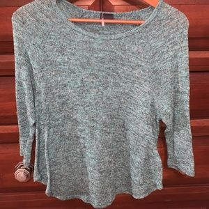 3/4 sleeve light weight sweater blue/green/white